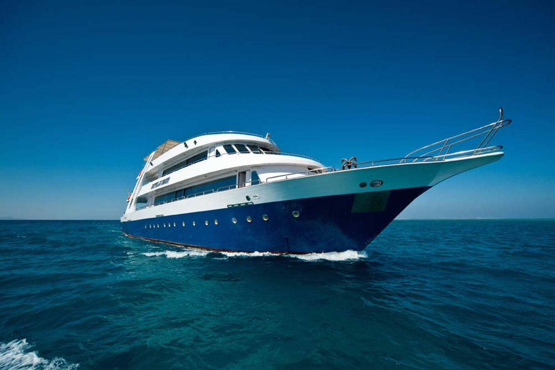 front 2012 CUSTOM  Motor Yacht 2507102