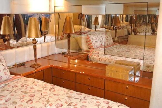 1998 Ocean Yachts Enclosed Bridge Sport Fisherman 2510613