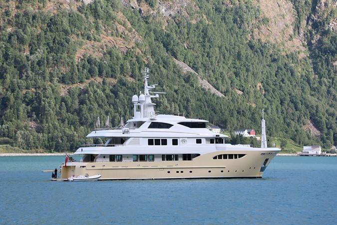 2014 JADE YACHTS  Motor Yacht 2511080