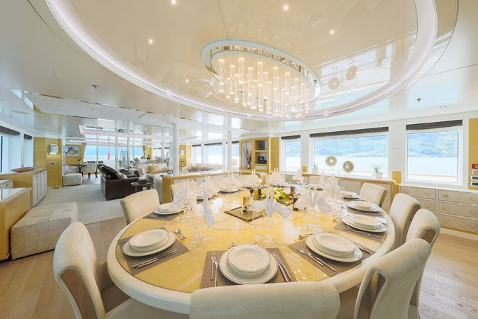 2014 JADE YACHTS  Motor Yacht 2511089
