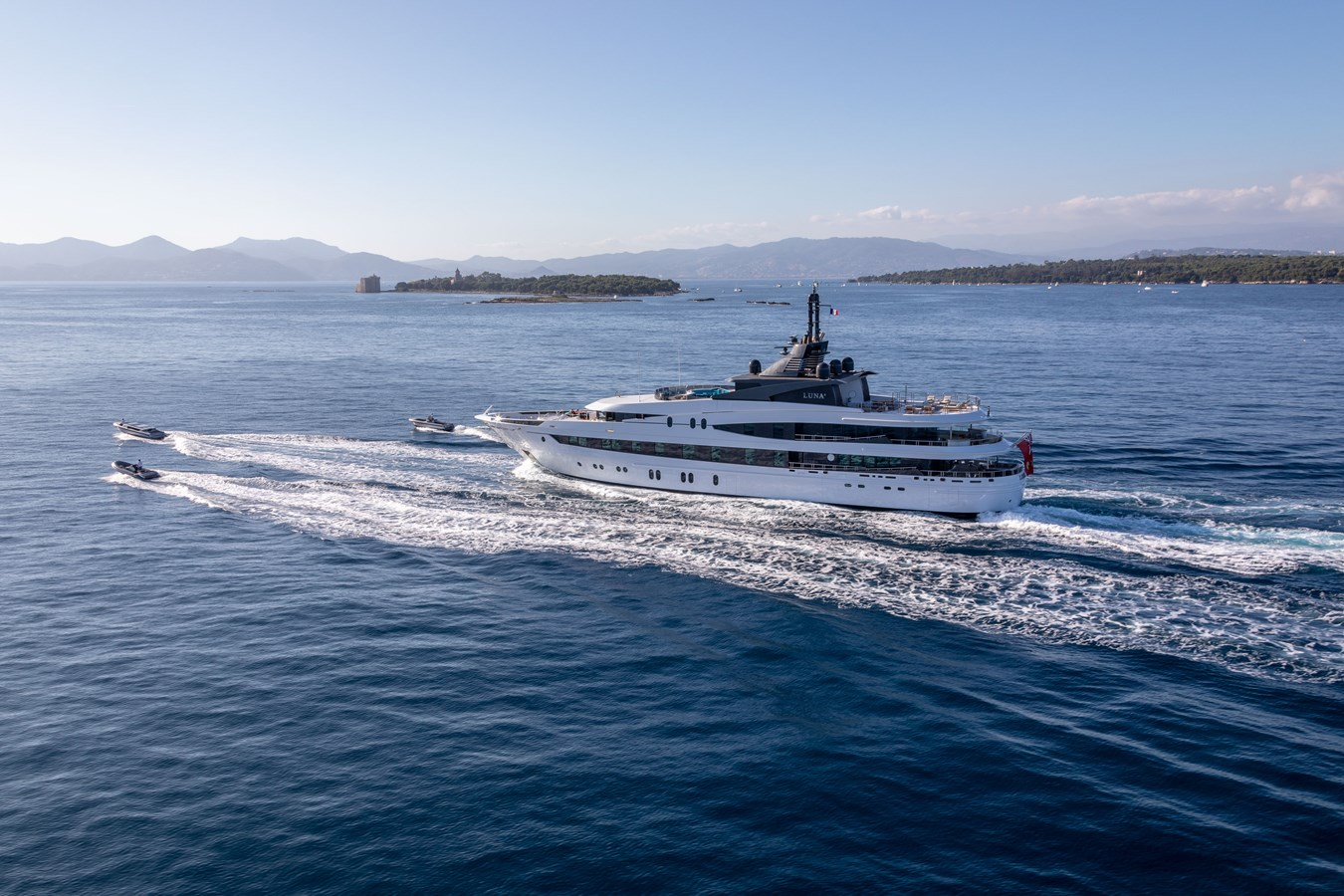 LUNA B_JonL_web-4110 2005 OCEANCO  Motor Yacht 2741169