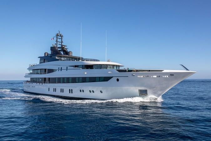LUNA B_JonL_web-4132 2005 OCEANCO  Motor Yacht 2741168