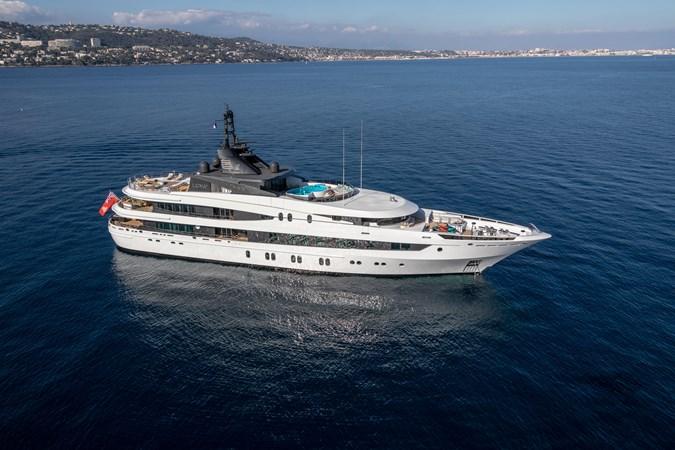 LUNA B_JonL_web-3831 2005 OCEANCO  Motor Yacht 2741170