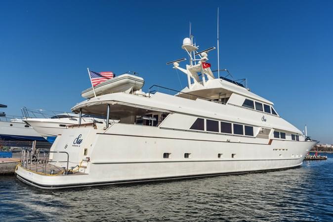 1991 BROWARD  Mega Yacht 2512805