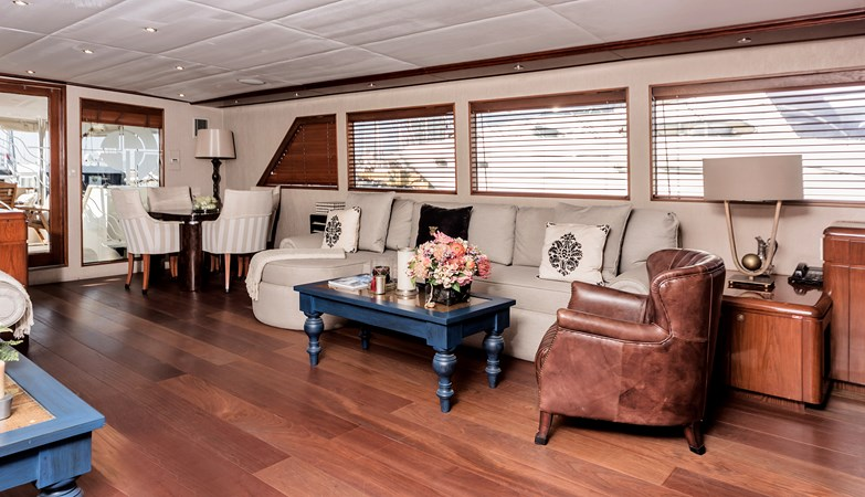 1991 BROWARD  Mega Yacht 2512807
