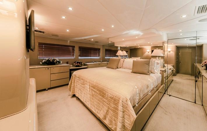 1991 BROWARD  Mega Yacht 2512809