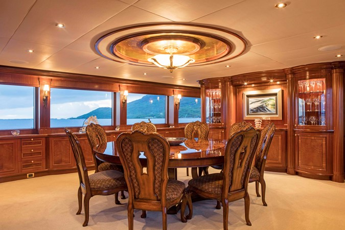 Dining Area 2007 RICHMOND YACHTS Tri-Deck M/Y Motor Yacht 2514668