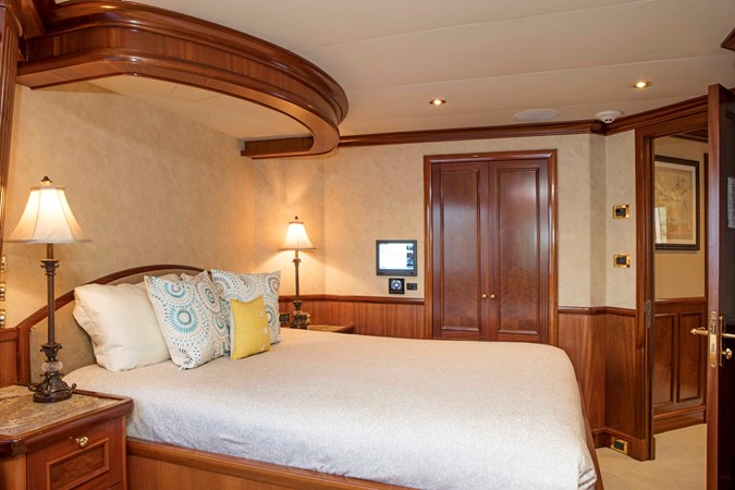 VIP Stateroom 2007 RICHMOND YACHTS Tri-Deck M/Y Motor Yacht 2514674