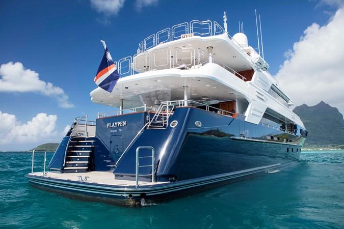 Starboard Stern Profile 2007 RICHMOND YACHTS Tri-Deck M/Y Motor Yacht 2514706