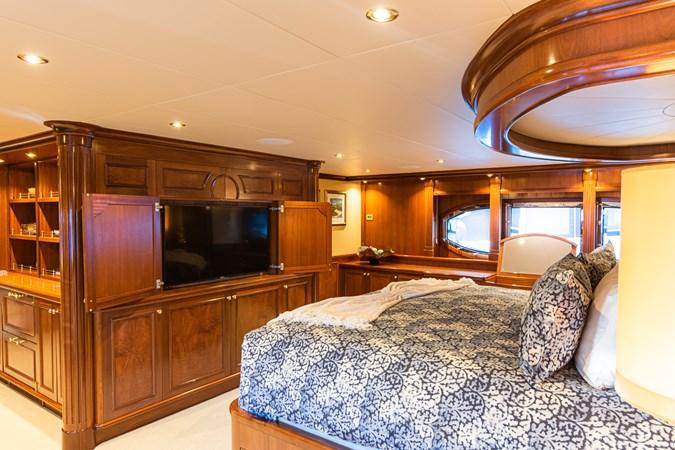 Master Stateroom 2007 RICHMOND YACHTS Tri-Deck M/Y Motor Yacht 2694622
