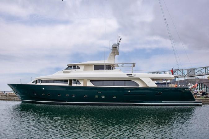 2001 CUSTOM LINE Navetta 30 Motor Yacht 2515732