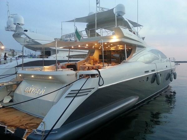 AZIMUT 103S_OXYGEN_INWARDS MARINE (1) 2008 AZIMUT 103S Motor Yacht 2515933