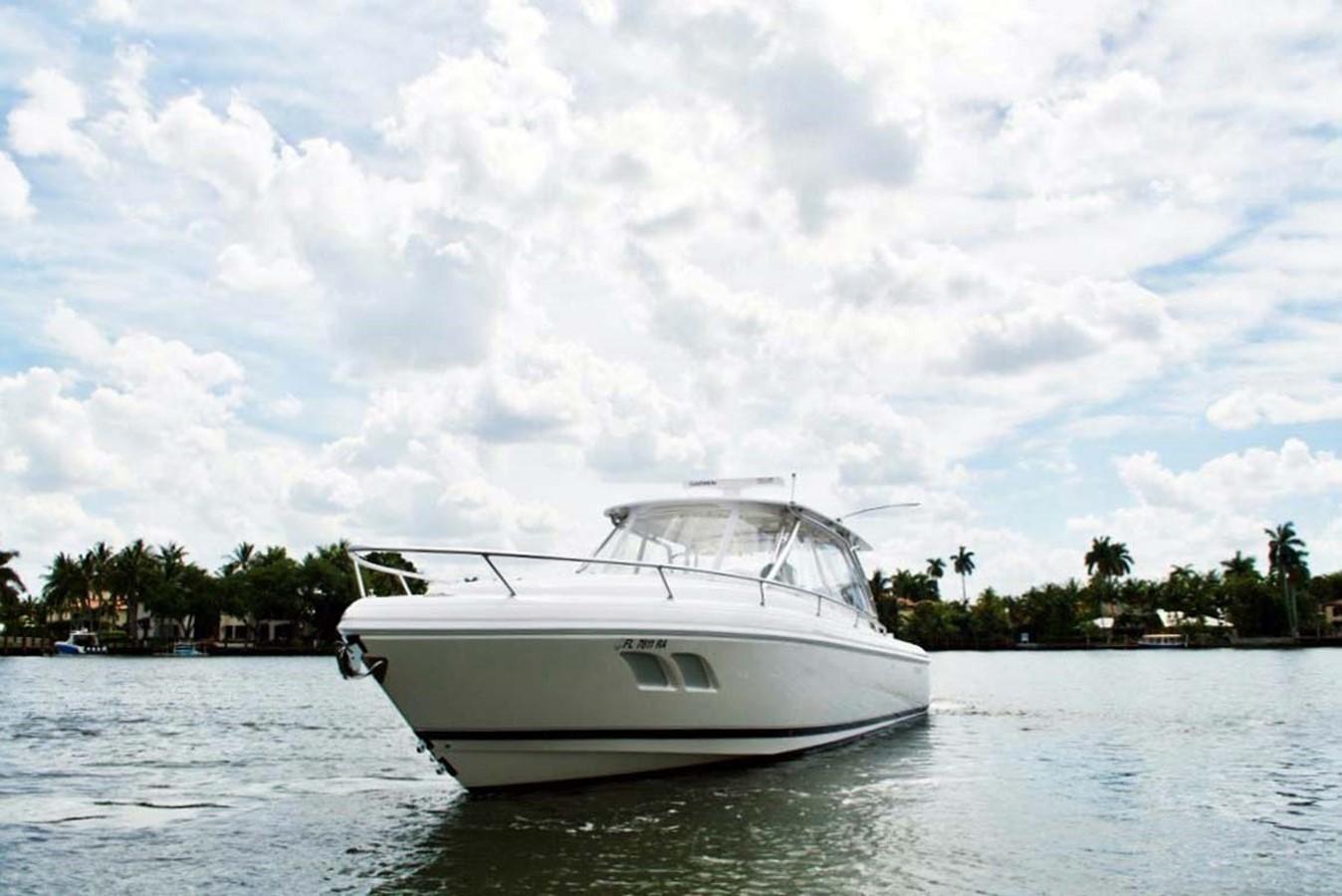Port Profile 2016 INTREPID 400 Cuddy Cruiser 2515778