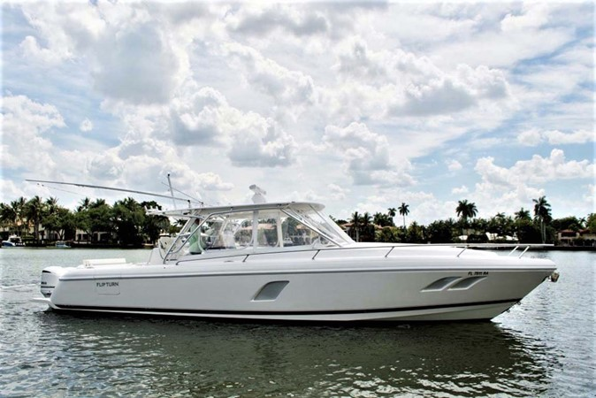 Starboard Profile 2016 INTREPID 400 Cuddy Cruiser 2515774