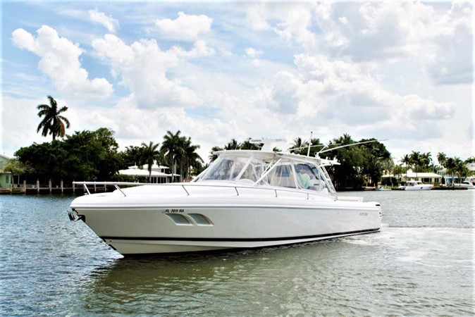 Port Profile 2016 INTREPID 400 Cuddy Cruiser 2515777
