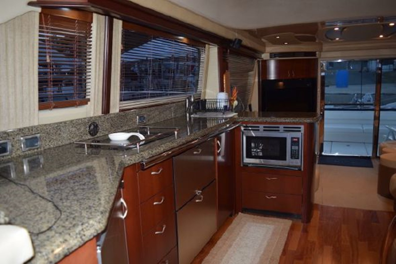 2006 SEA RAY 58 Sedan Bridge Motor Yacht 2516639