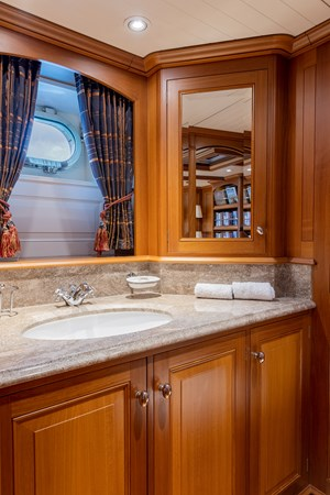 Master Bath 1998 ALLOY Sailing Ketch Cruising Ketch 2516599