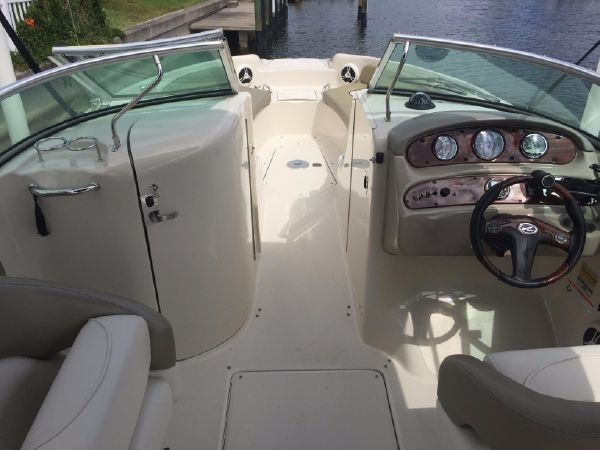 2006 SEA RAY 240 Sundeck Deck Boat 2519547