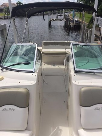 2006 SEA RAY 240 Sundeck Deck Boat 2519553