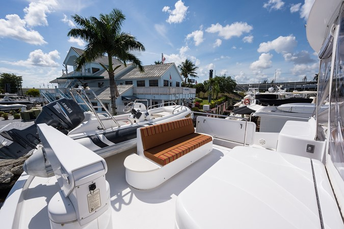 Boat Deck to Port 2008 HATTERAS 72 Motor Yacht Motor Yacht 2539296