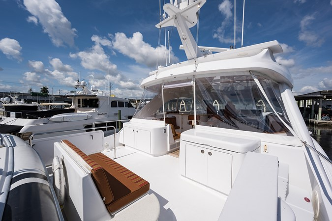 Boat Deck Forward to Port 2008 HATTERAS 72 Motor Yacht Motor Yacht 2539299