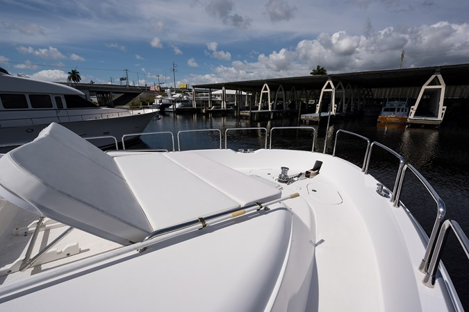 Starboard Bow 2008 HATTERAS 72 Motor Yacht Motor Yacht 2539308
