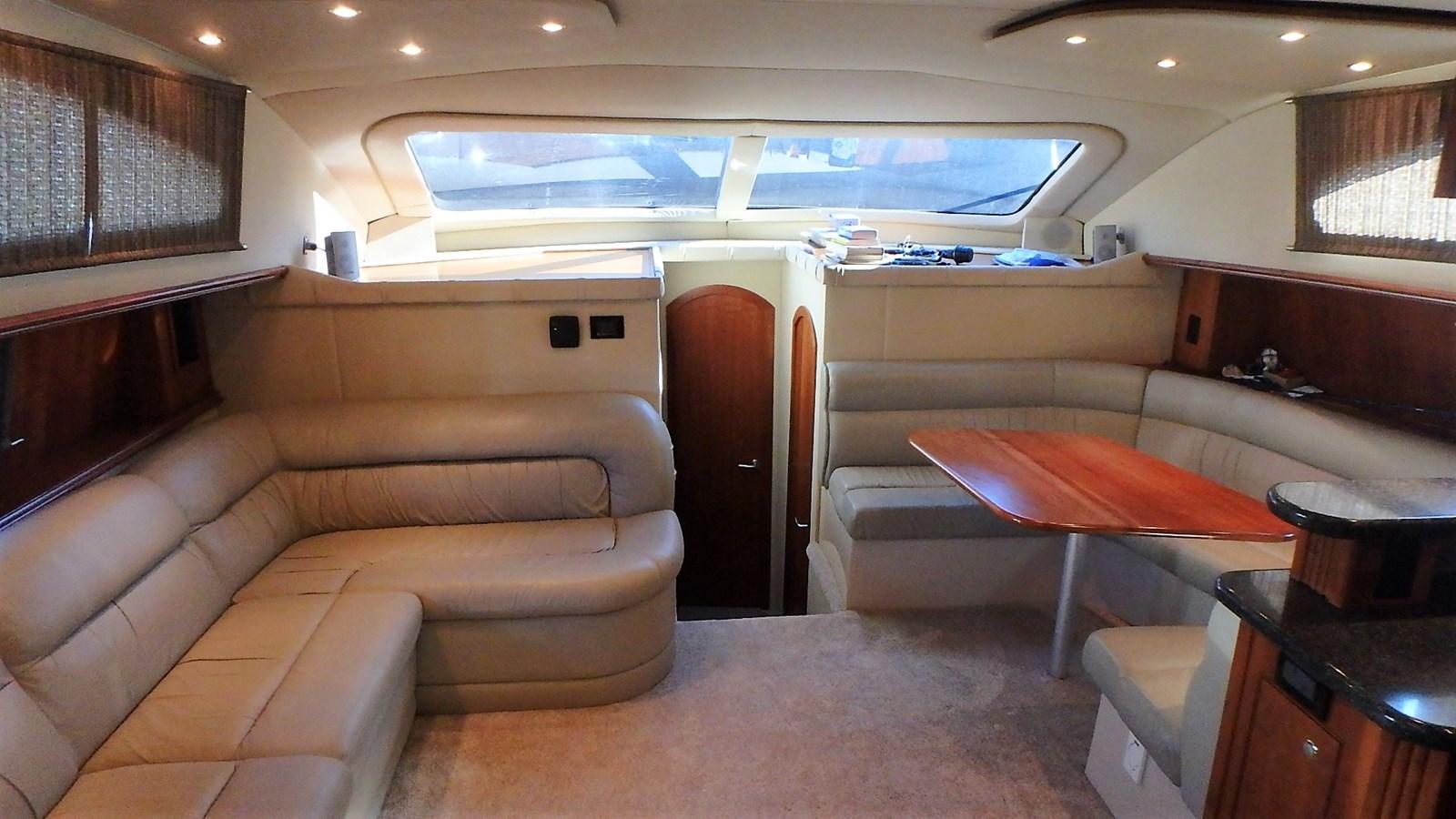 P1160934 2005 CRUISERS YACHTS 455 Express Motoryacht Motor Yacht 2522158