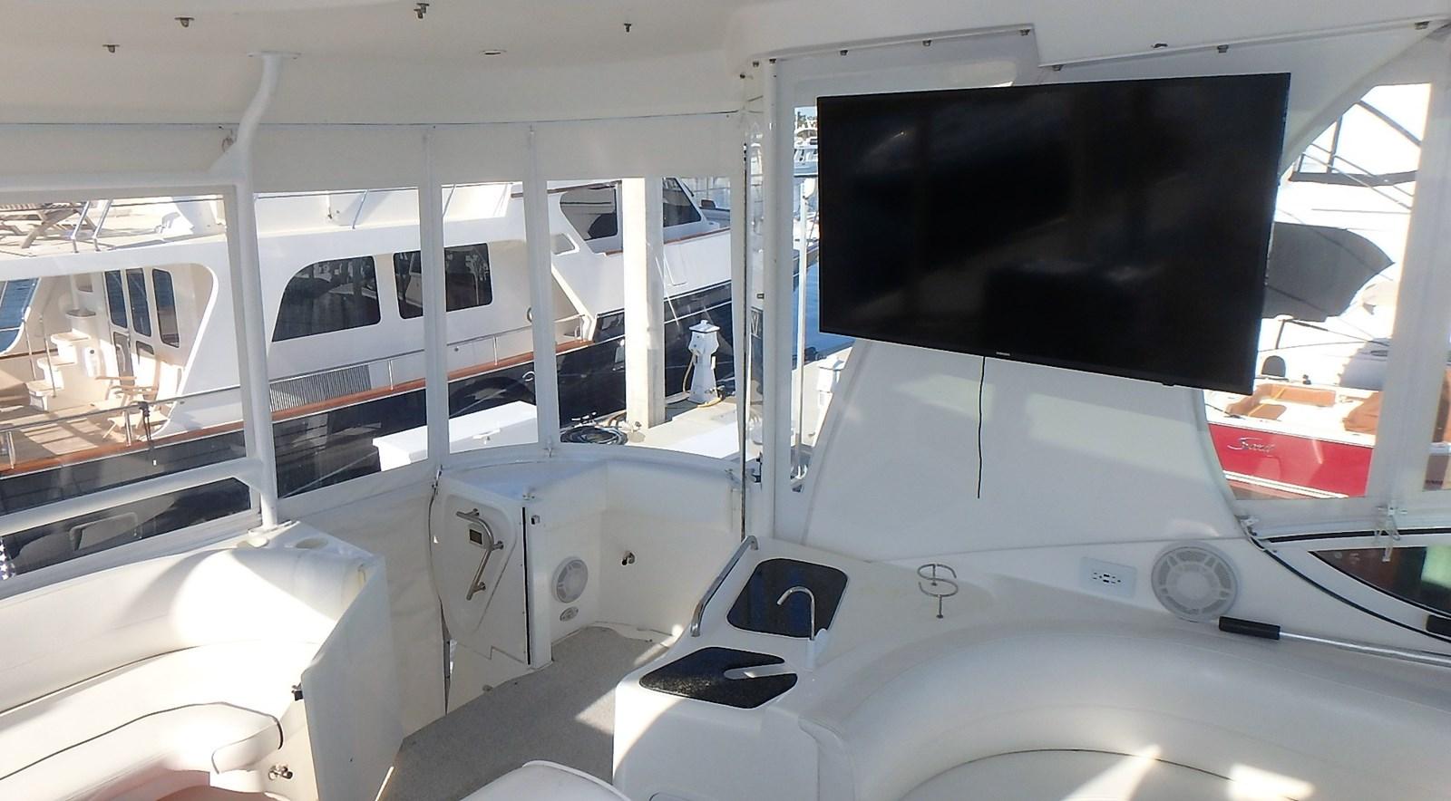 P1160969 2005 CRUISERS YACHTS 455 Express Motoryacht Motor Yacht 2522187