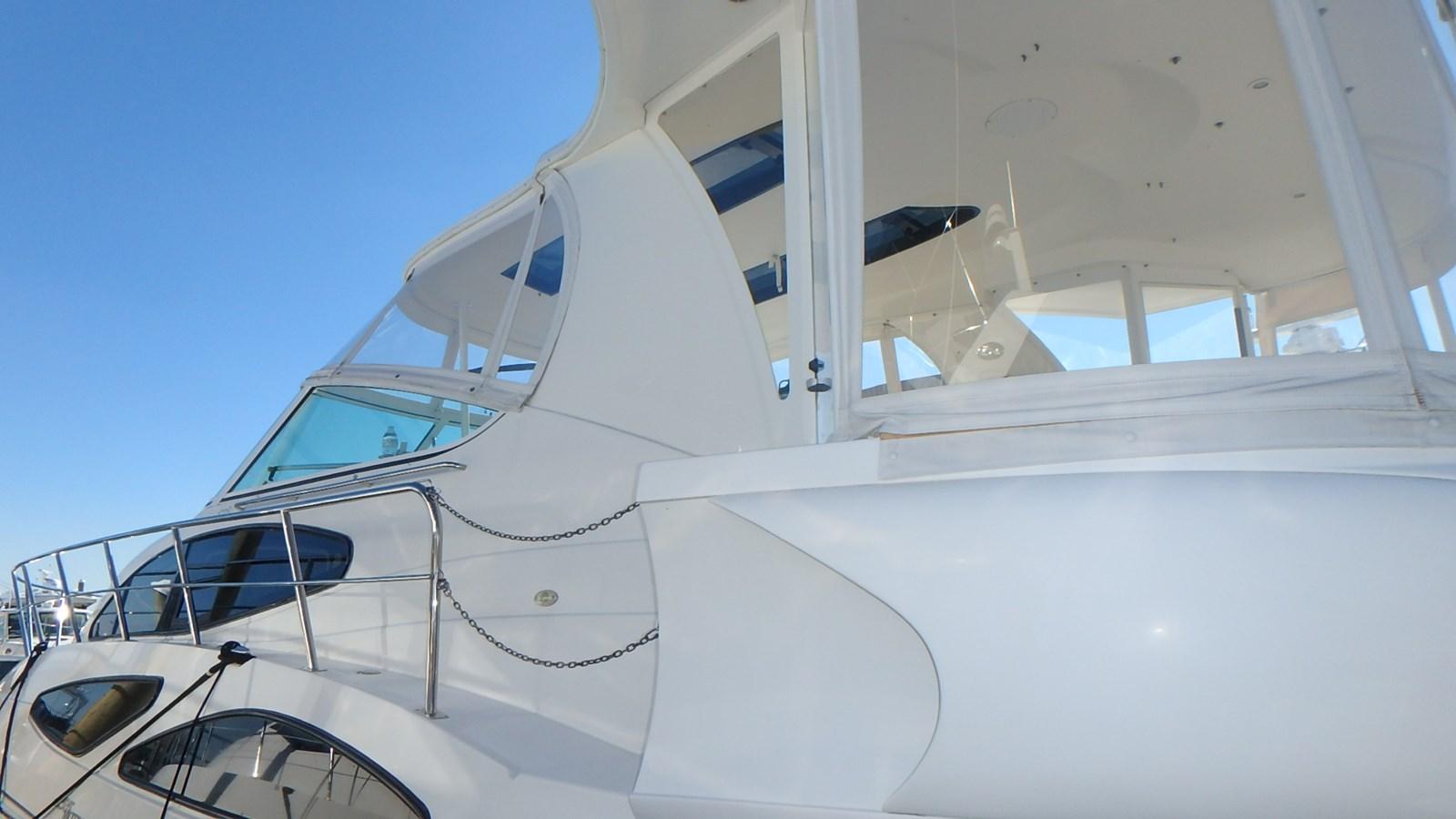 P1160914 2005 CRUISERS YACHTS 455 Express Motoryacht Motor Yacht 2522202