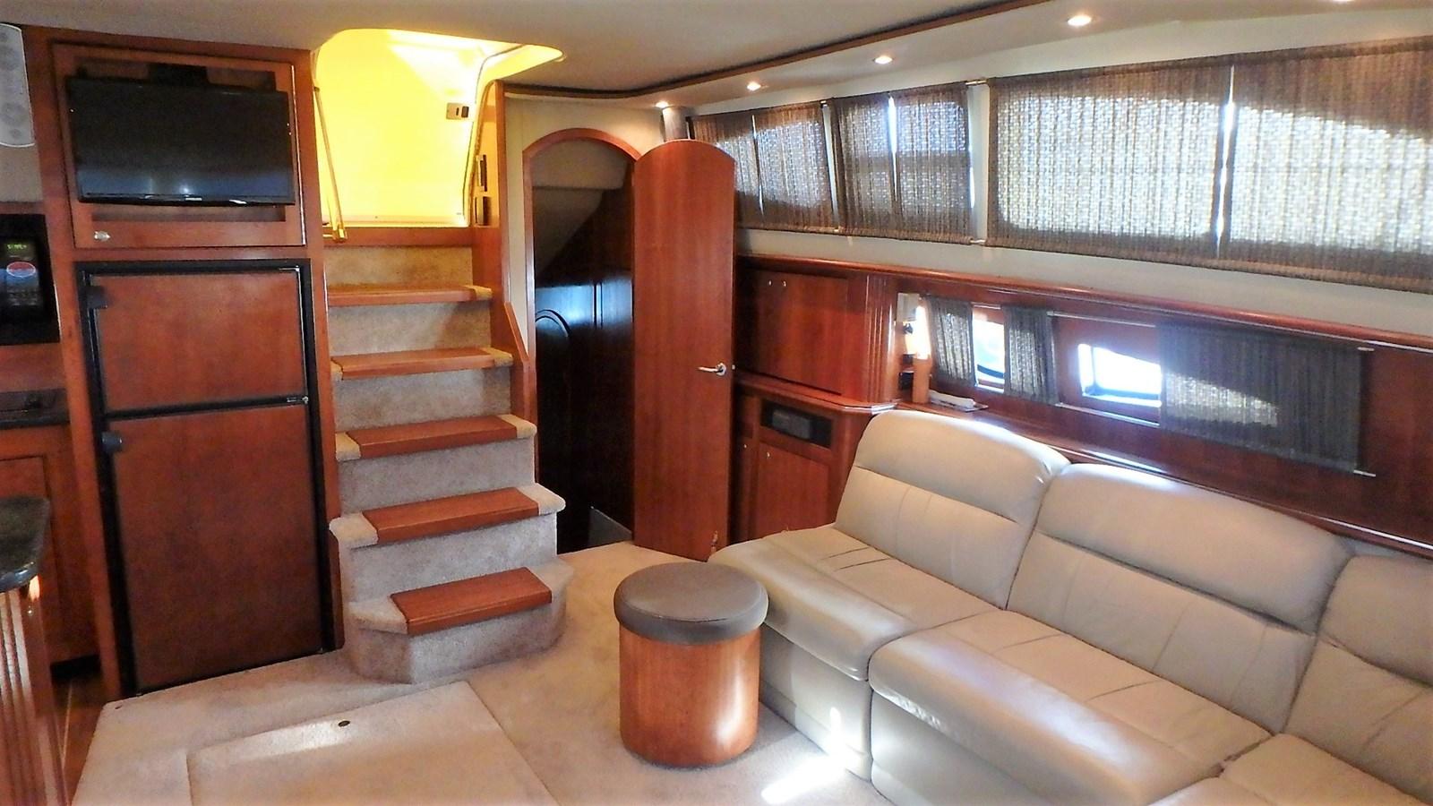 P1160932 2005 CRUISERS YACHTS 455 Express Motoryacht Motor Yacht 2522218