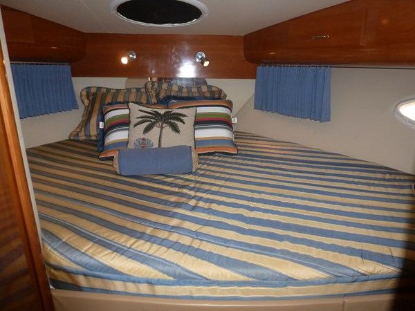 P1020860 2005 CARVER 36 Motoryacht Motor Yacht 2522890