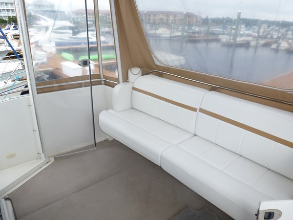 P1020918 2005 CARVER 36 Motoryacht Motor Yacht 2522933