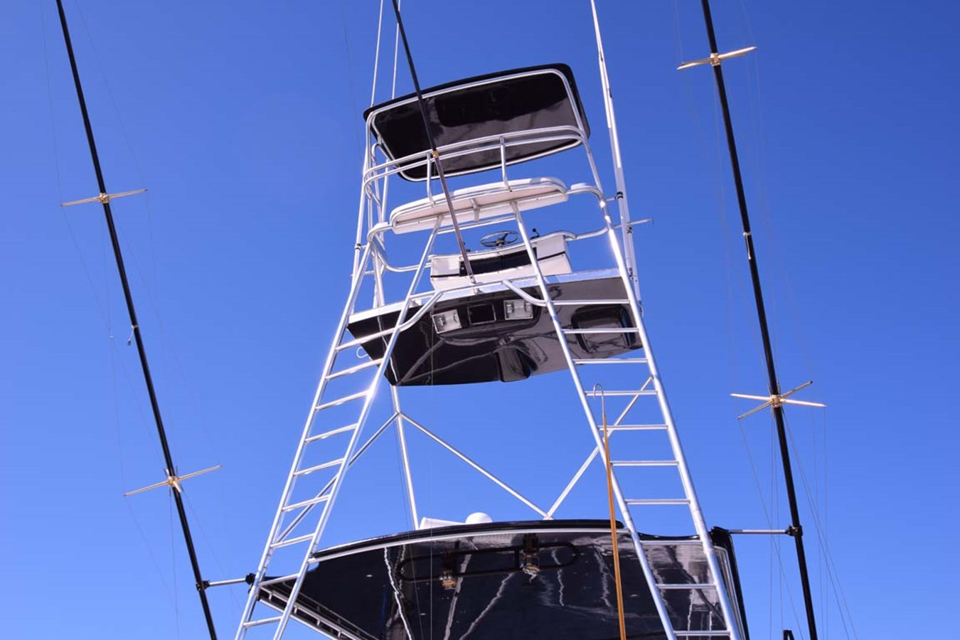Tuna Tower 1998 BERTRAM 60 Convertible Sport Fisherman 2531923