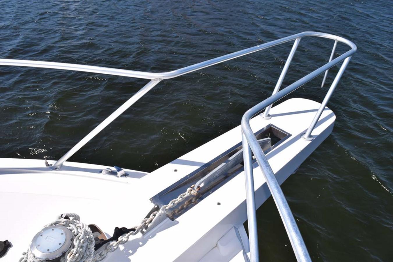 Bow Windlass and Anchor Chain 1998 BERTRAM 60 Convertible Sport Fisherman 2531928