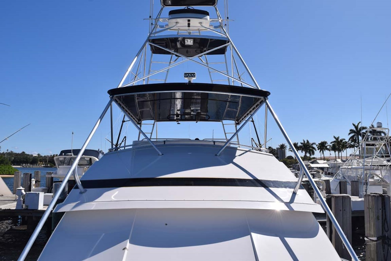 Bow View to Tuna Tower 1998 BERTRAM 60 Convertible Sport Fisherman 2531935