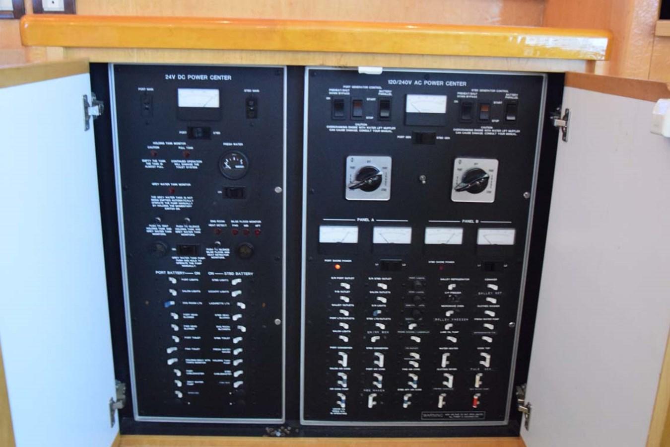 AC and DC Panels 1998 BERTRAM 60 Convertible Sport Fisherman 2700107