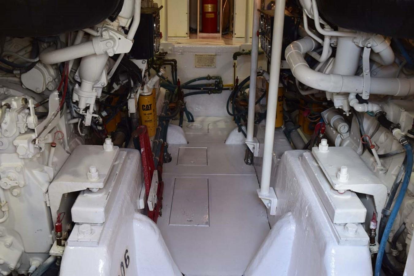 Engine Room 1998 BERTRAM 60 Convertible Sport Fisherman 2700114