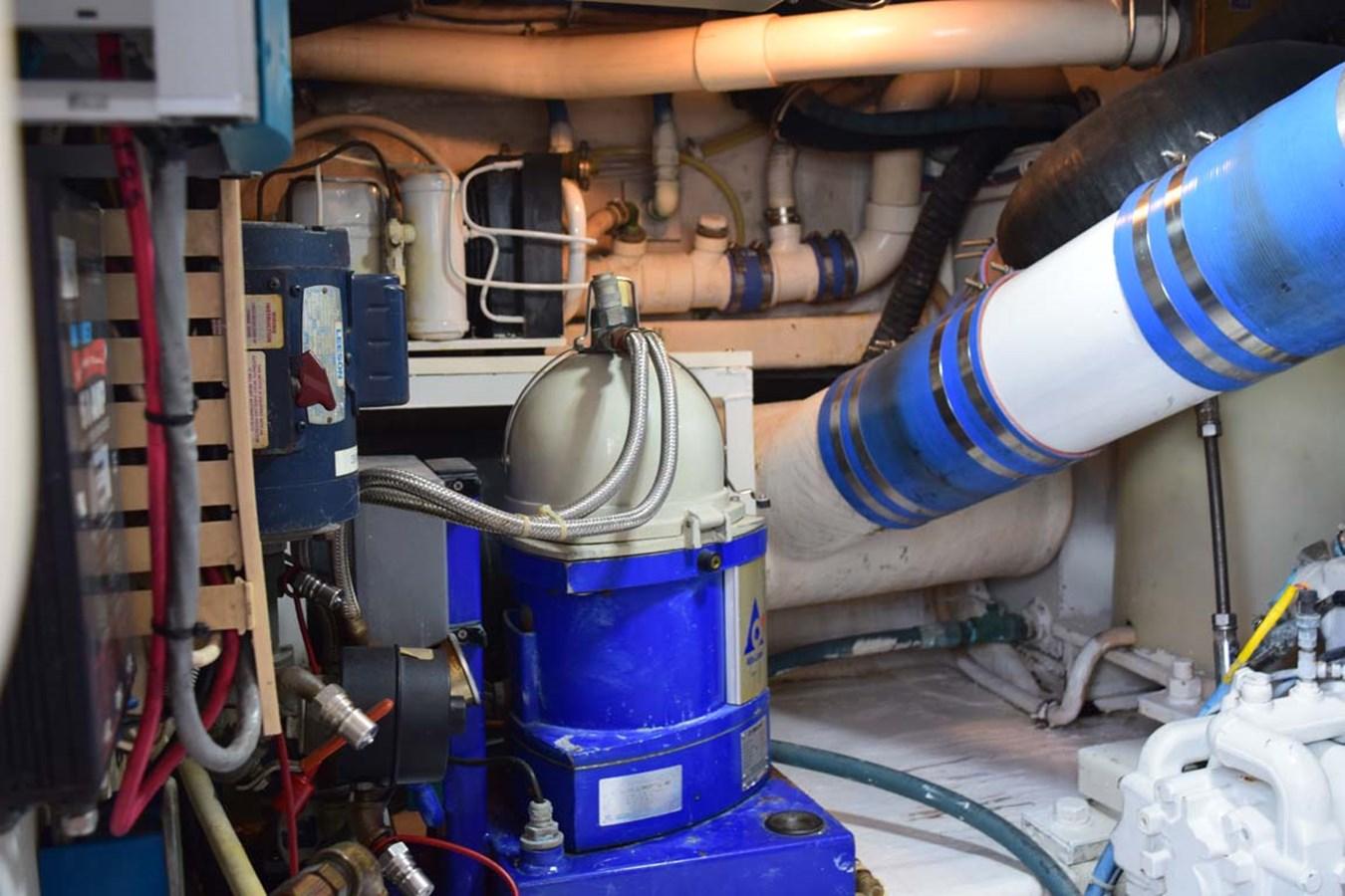 Engine Room 1998 BERTRAM 60 Convertible Sport Fisherman 2700116