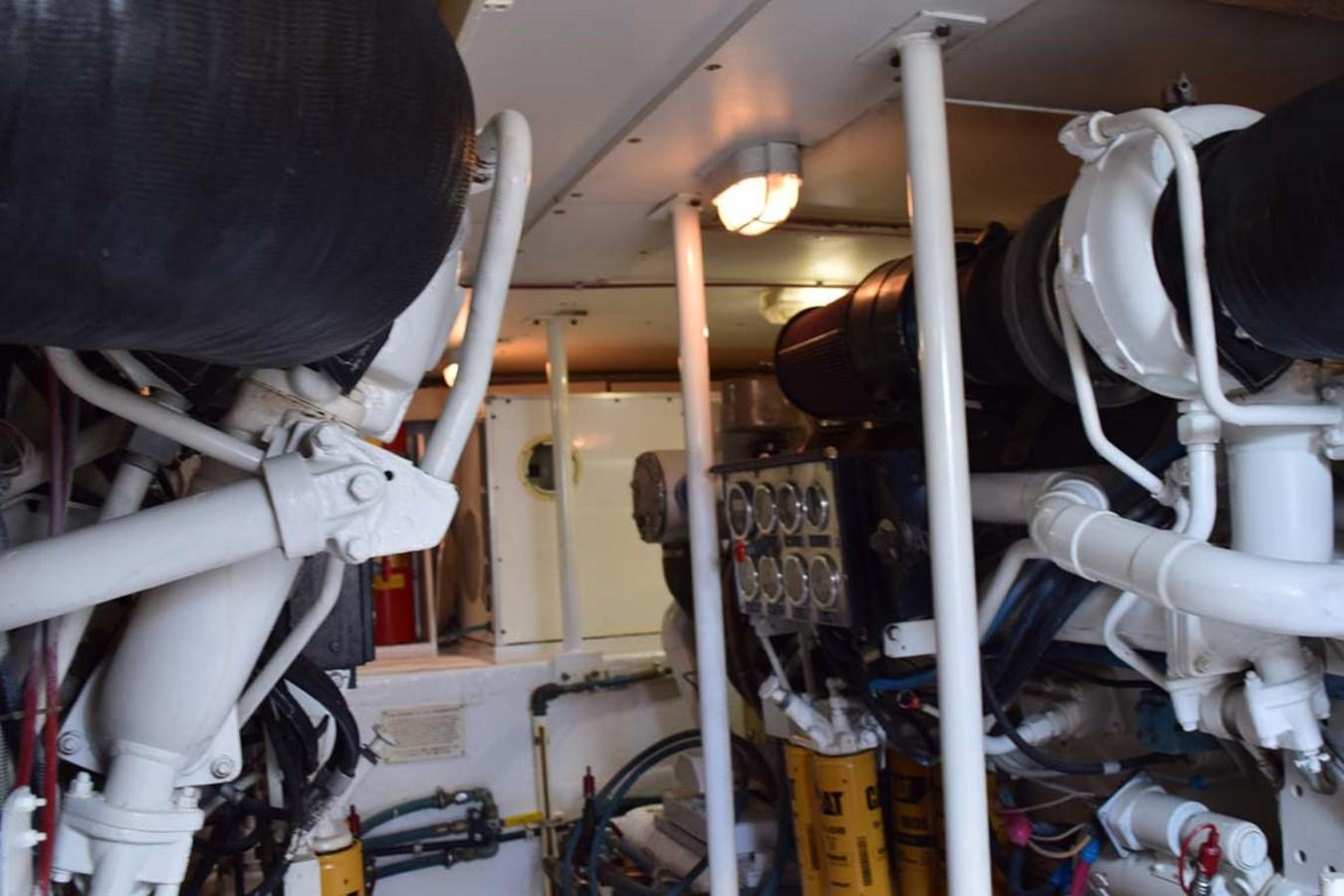 Engine Room 1998 BERTRAM 60 Convertible Sport Fisherman 2700128