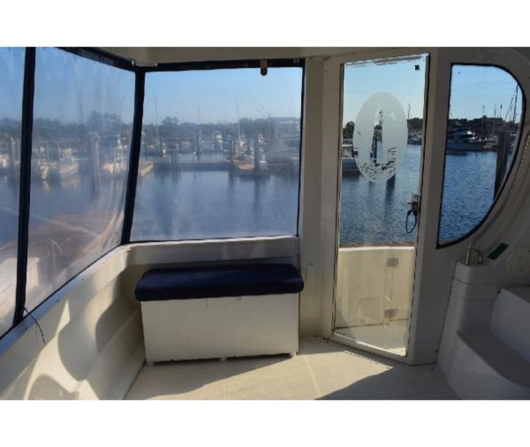 Aft Deck To Port 2001 CARVER 46 Motor Yacht Motor Yacht 2524695