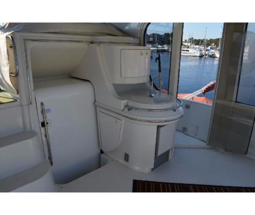 Aft Deck To Starboard 2001 CARVER 46 Motor Yacht Motor Yacht 2524696