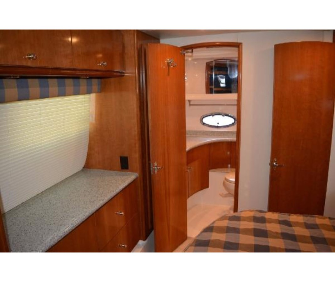 Master To Port 2001 CARVER 46 Motor Yacht Motor Yacht 2524726