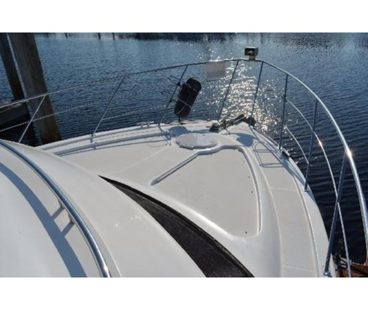 Foredeck 2001 CARVER 46 Motor Yacht Motor Yacht 2524690