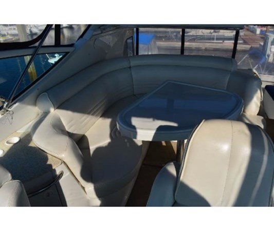 Bridge Seating 2001 CARVER 46 Motor Yacht Motor Yacht 2524702