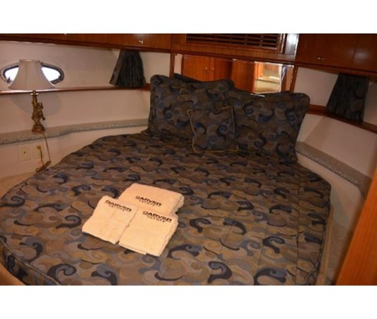 Forward Berth 2001 CARVER 46 Motor Yacht Motor Yacht 2524719