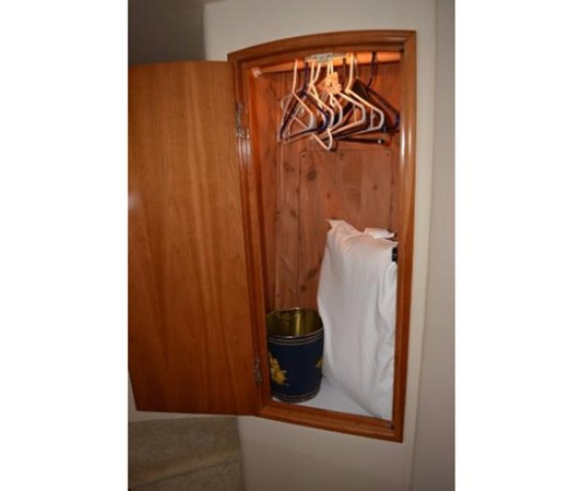 Forward Hanging Locker 2001 CARVER 46 Motor Yacht Motor Yacht 2524721