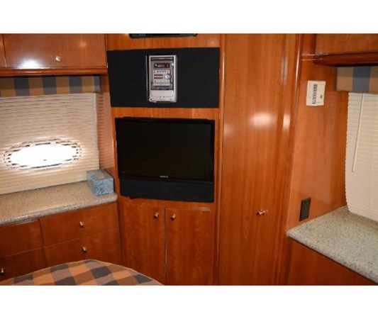 Master Entertainment Center 2001 CARVER 46 Motor Yacht Motor Yacht 2524728