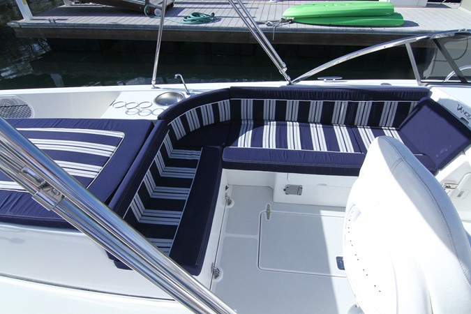 2015 Vanquish Boats  24 RA Runabout 2525433