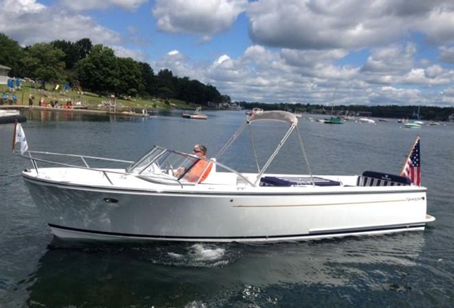 2015 Vanquish Boats  24 RA Runabout 2525436