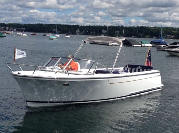 2015 Vanquish Boats  24 RA Runabout 2525437